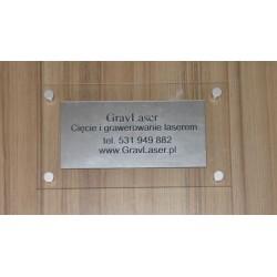 Tablica informacyjna z pleksy i laminatu