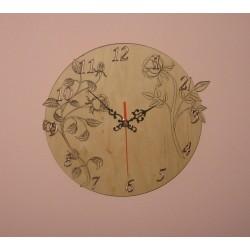 Zegar ścienny z drewna